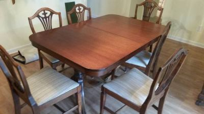 Hylan Mahogany Dining Table and 6 Chairs