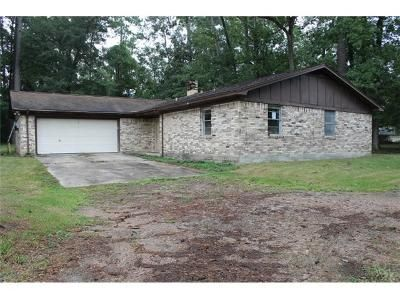 3 Bed 2 Bath Foreclosure Property in Silsbee, TX 77656 - Songwood Rd