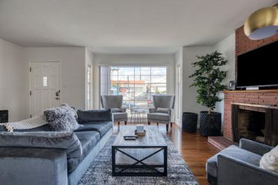 $3570 2 townhouse in West Los Angeles