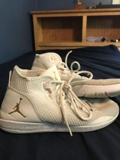 Used Men s Gold and White Jordan s, Size: 8