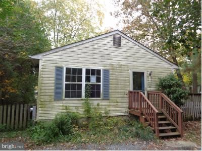 3 Bed 2 Bath Foreclosure Property in Shady Side, MD 20764 - Elm St