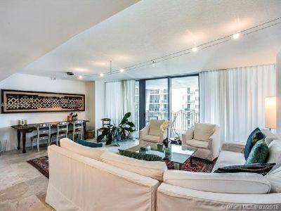 Miami Beach: 2/2.5 Renovated apartment (S Ocean Dr., 33139)