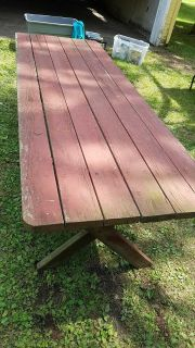 Picnic table solid and heavy duty