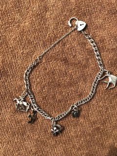 VINTAGE 925 SILVER CHARM BRACELET with HEART PADLOCK CLASP & Charms
