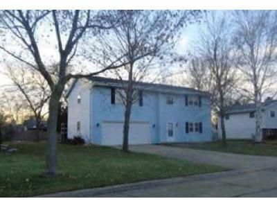 2 Bed 1.5 Bath Foreclosure Property in Green Bay, WI 54311 - Masters Ln