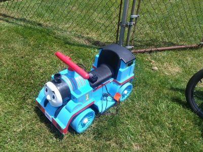 Child Ride On Thomas Train Power Wheels w battery and Charger