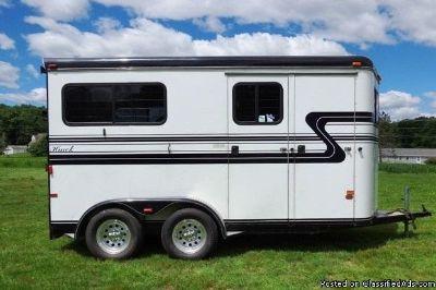 Luxury 2002 Hawk 2 horse trailer