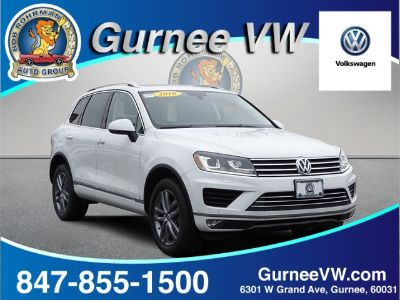2016 Volkswagen Touareg VR6 Sport (Pure White)
