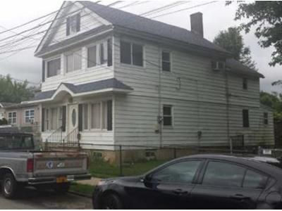 4 Bed 2 Bath Foreclosure Property in Staten Island, NY 10310 - Barker St