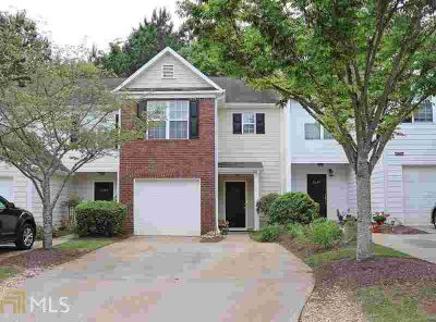 Charming Townhome with Two BR/2.5 BA in well maintained communit