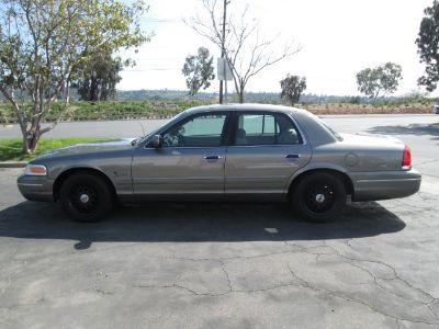 2001 Ford Crown Victoria LX (Gray)