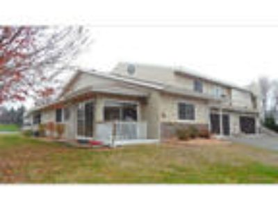 Three BR Two BA End Unit Town Home in Woodbury
