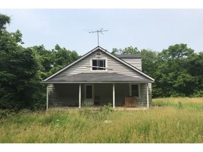 1 Bath Preforeclosure Property in Crystal City, MO 63019 - Glennon Heights Rd