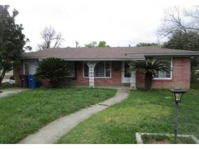 3 Bed 2 Bath Foreclosure Property in San Antonio, TX 78213 - Saratoga Dr