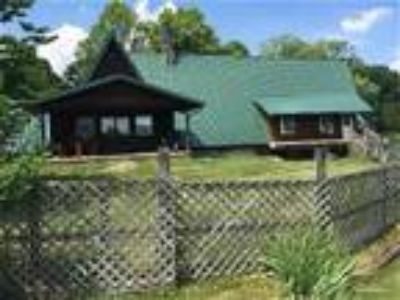 1st Choice Cabin Rentals - The Chalet - Cabin