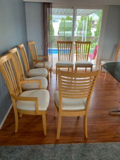 Euc set of 8 dining room chairs solid wood asking $150