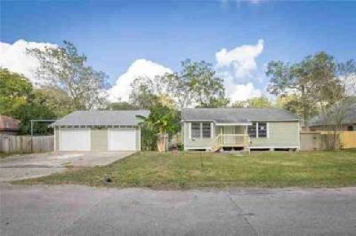 1240 2nd Street Clute Three BR, Charming home in , TX!