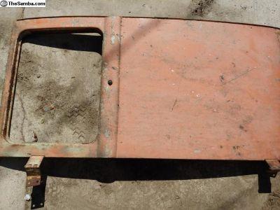 Rear high hinge cargo door
