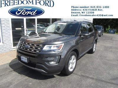2016 Ford Explorer XLT (Gray)