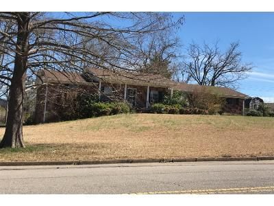 3 Bed 2 Bath Foreclosure Property in Tupelo, MS 38801 - President Ave