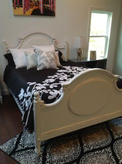 Queen size white distress bed frame
