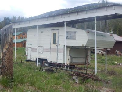 1983 wilderness 18ft fully self contained 5th w3heel trailer
