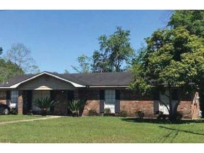 3 Bed 2 Bath Foreclosure Property in Saraland, AL 36571 - Craig Dr