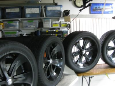 FOOSE WHEELS AND TIRES 22 INCH X 9.5 WIDE SET OF 4 W/ GORILLA LUGS THAT LOCK