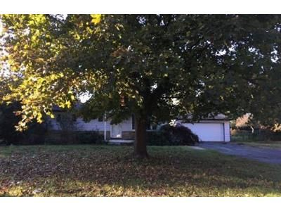 3 Bed 1 Bath Foreclosure Property in Waterford, MI 48329 - Adamson Dr