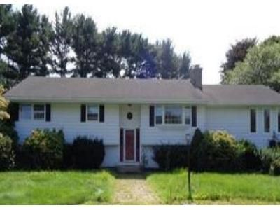 3 Bed 2.5 Bath Foreclosure Property in North Haven, CT 06473 - Highland Park Rd