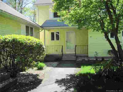 42 Oldefield Farms Enfield Two BR, end unite, completely