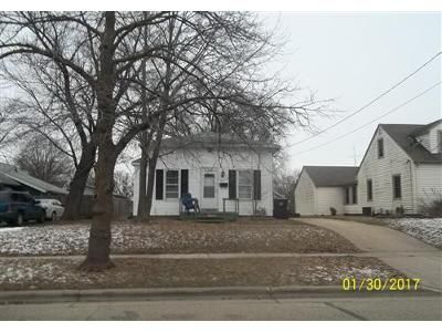 2 Bed 1 Bath Foreclosure Property in Beloit, WI 53511 - Mckinley Ave