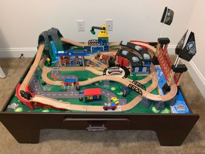 Imaginarium Train Table with working sounds
