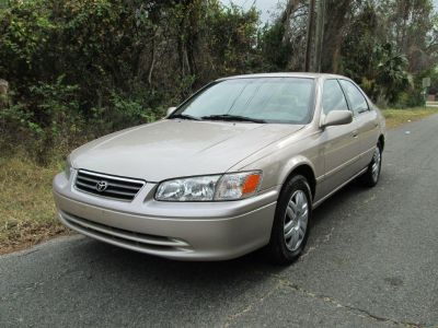 2000 Toyota Camry CE (Gold)