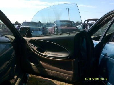 1996 Ford Mustang Passenger Side Door (PARTING OUT)