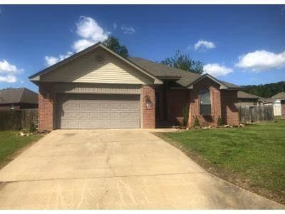 2 Bath Preforeclosure Property in Van Buren, AR 72956 - Kaylonni Cir
