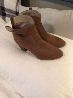 Women s Boots size 9