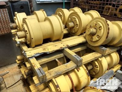 Lot of (18) Track Rollers - Fits Cat D10N/R - Unused