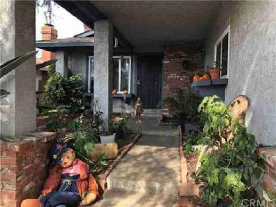 83 W Altadena Drive Altadena, Great home! The home features