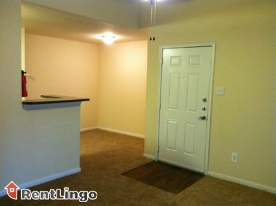 $779, 1br, Raleigh Convenient & Clean 1 bd/1.0 ba Apartment available 02/21/2018