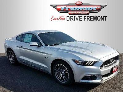2017 Ford Mustang GT Premium Fastback (Ingot Silver Metallic)
