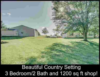 13206 E Newton Drive Solsberry Three BR, Country living just a