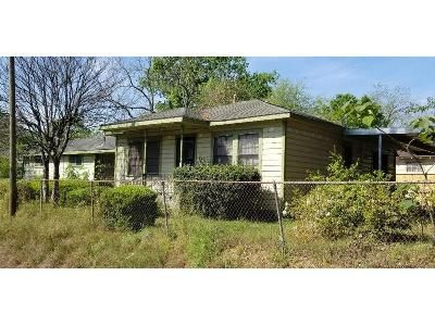 5 Bed 2 Bath Foreclosure Property in Houston, TX 77088 - Mount St