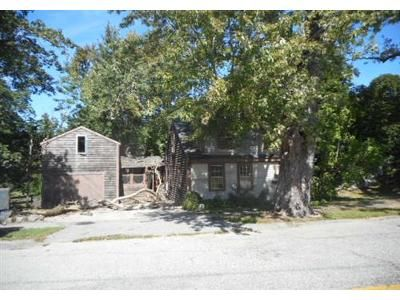 4 Bed 1.1 Bath Foreclosure Property in Cohasset, MA 02025 - Beechwood St