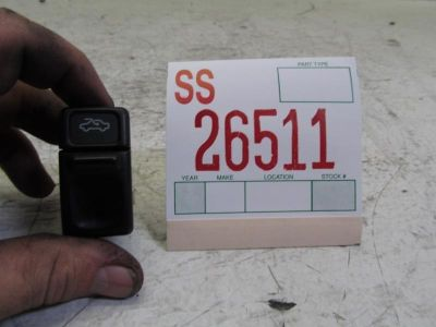Sell 95 96 97 VOLVO 850 2.3L TURBO POWER SLIDING SUNROOF MOONROOF CONTROL SWITCH OEM motorcycle in Sugar Land, Texas, US, for US $19.99