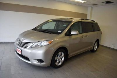 Used 2016 Toyota Sienna 5dr 8-Pass Van FWD