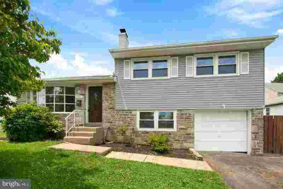 1430 S Center Ave Feasterville-Trevose, Beautiful Three BR