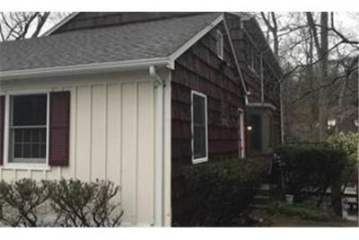 Lovely Patchogue, 4 bed, 2.50 bath. Washer/Dryer Hookups!
