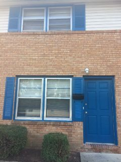 2br - 1.5 bath Renovated Townhouse