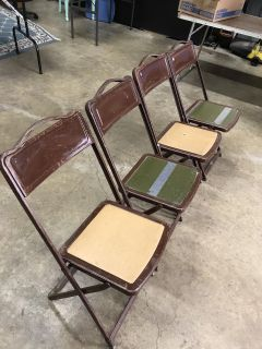 Set of 4 vintage folding chairs